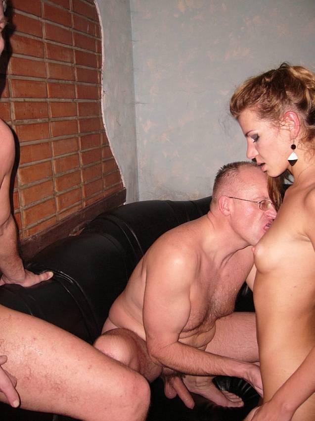 Amanda seyfried chloe nude scene